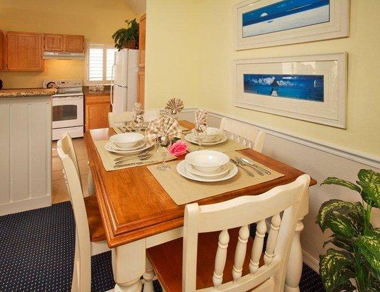 Runaway Beach Club: Villa Dining Area