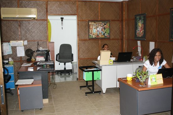 Nirvana Beach Resort: Office