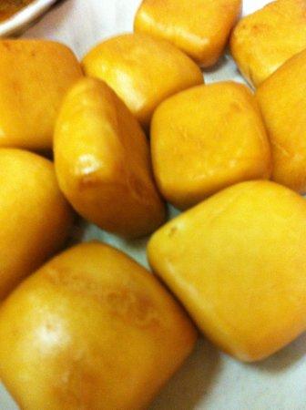 Sin Hoi Sai Eating House : deep fried mandu