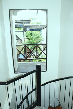 Nirvana Beach Resort: Standard Condo Staircase