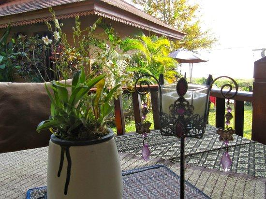 Viang Yonok Hotel, Restaurant, Sports Club:                   dining table