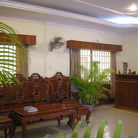 Check Inn Siem Reap: Reception Area