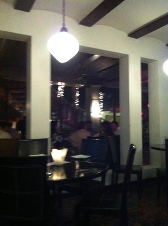 4 Restaurant :                                     #4