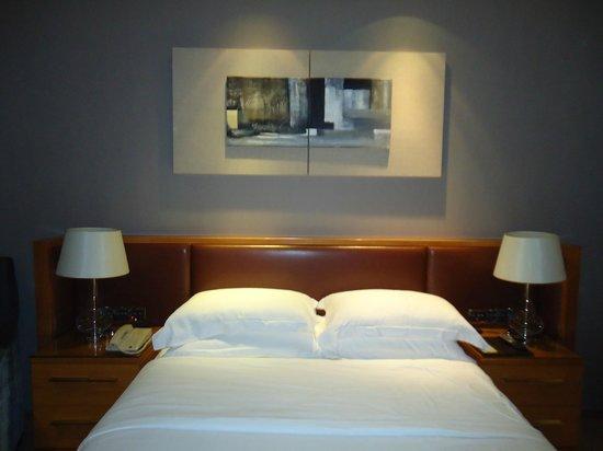 Gandian Hotel:                   comfortable bed