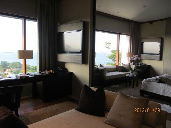 Capella Singapore:                   部屋越しにみる海の眺め