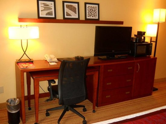 Holiday Inn Express Tifton: Guest Room