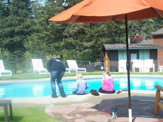 Glacier Lodge:                   pool