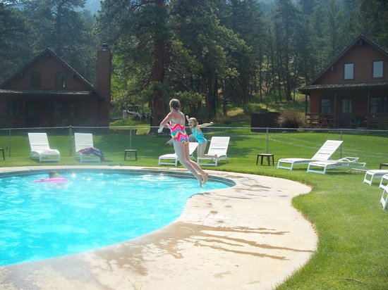 Glacier Lodge :                   pool