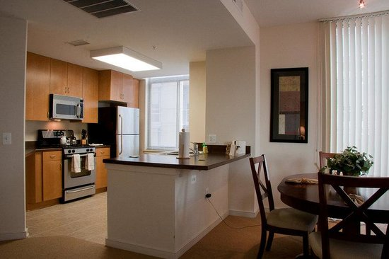 Cosmopolitan at Reston Town Center: Reston Furnished Apartment Kitchen