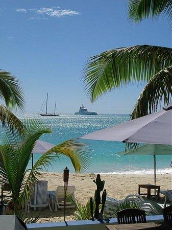 The Azure Hotel: World's Biggest Mega Yachts!