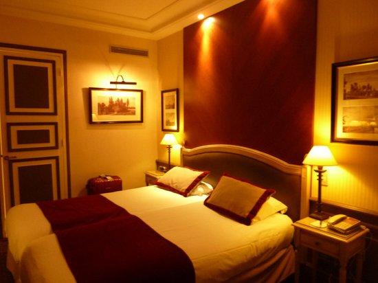 BEST WESTERN PREMIER Trocadero La Tour:                   room