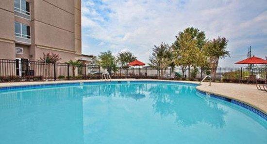 Wyndham Garden Duluth: Pool