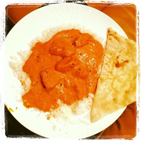 Swagath Indian Cuisine : My chicken tikka masala (no spice) take out + butter naan
