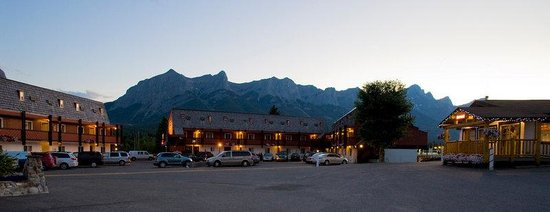 Photo of Rocky Mountain Ski Lodge Canmore