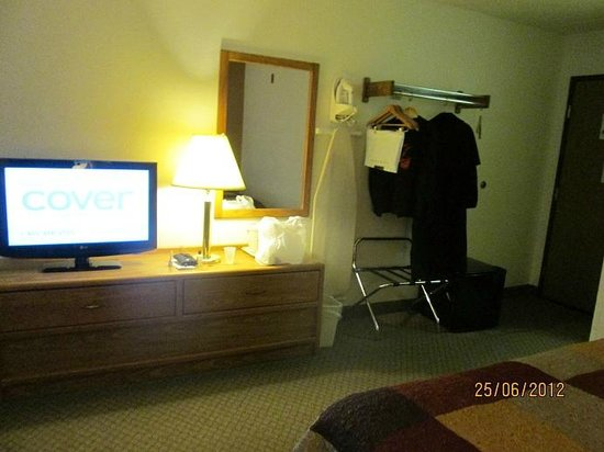 AmericInn Lodge & Suites Calumet:                   Double Queen (black square on floor is refrigerator) #113