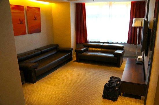 คอสโม โฮเต็ล ฮ่องกง: Lounge