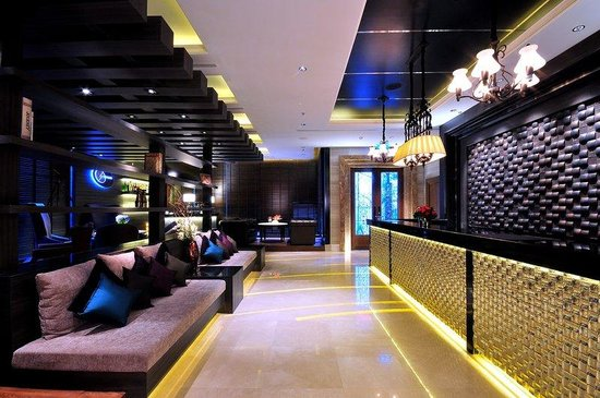The Continent Hotel Bangkok by Compass Hospitality: Lobby