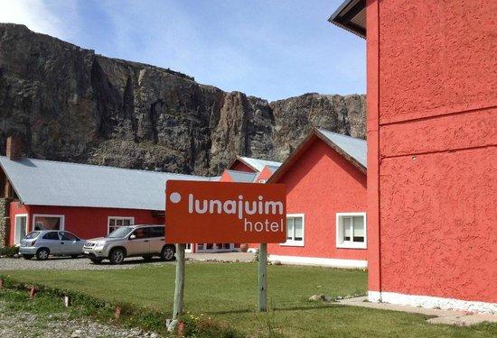 Hotel Lunajuim: Outside view