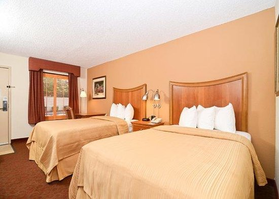 Quality Inn Chapel Hill: 2 Double beds