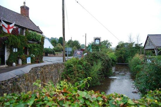 The White Horse Inn: Stream across the road