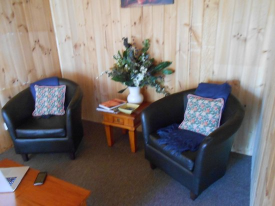 Riversdale Estate Cottages:                   Comfy armchairs - on leg broken