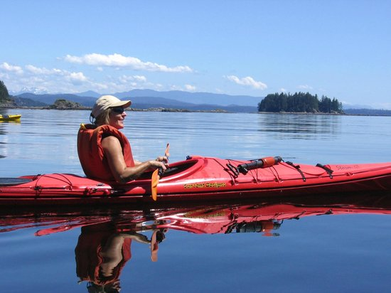 Quadra Island Kayaks - Day Tours: taking a time out....