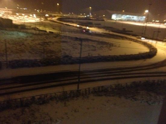 Ramada Encore Doncaster Airport:                                     snowy nite 2