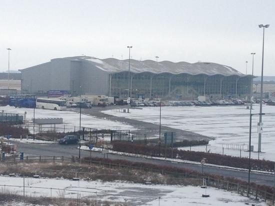 Ramada Encore Doncaster Airport:                                     ccooollldddd!