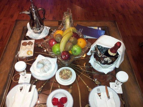 Radisson Blu Royal Suite Hotel, Jeddah:                   ضيافة من الفندق