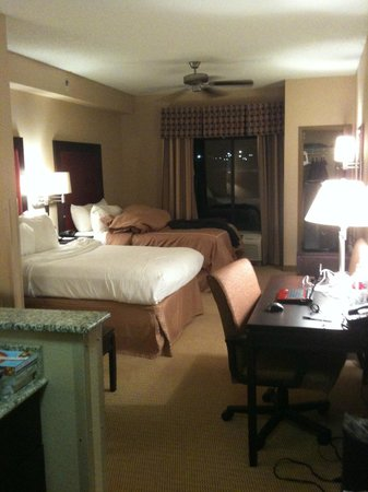 Comfort Suites DFW N/Grapevine:                                                                         beds