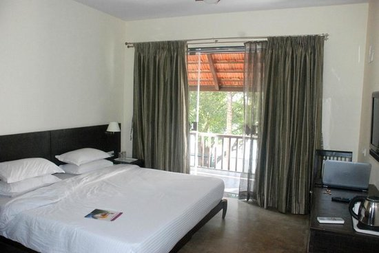 Palghar, India: Room facing the Vaitarna river