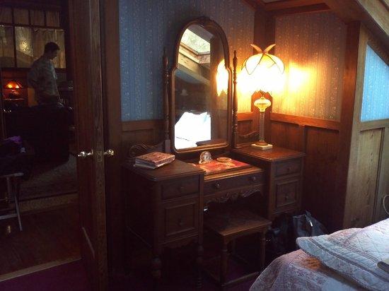 Howard Creek Ranch: Blue Room vanity.