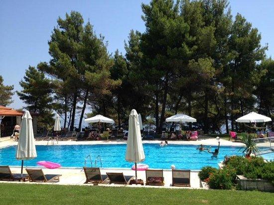 Ξενοδοχείο Νόστος: outdoor pool