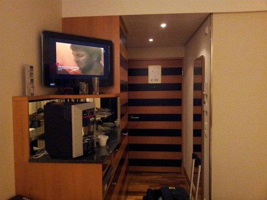 Swissotel Zurich: Standrd room enterance