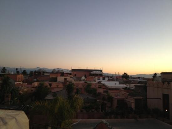 Hostel Riad Marrakech Rouge:                   view from the roof top