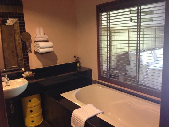 VC@Suanpaak Hotel & Serviced Apartment :                   Bathroom