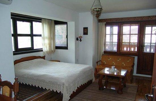 Hotel Varosha 2003:                   Suite
