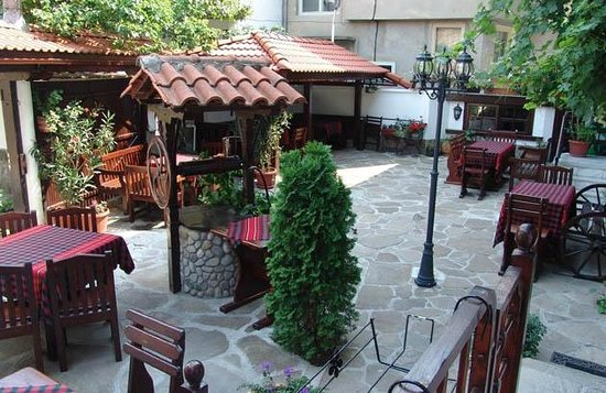 Hotel Varosha 2003:                   Tavern