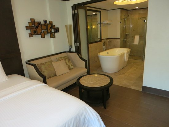 Henann Lagoon Resort:                   Grand Room