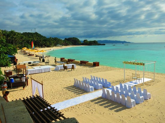 Shangri-La's Boracay Resort & Spa : Other Beach