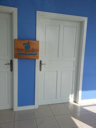 Kuramathi Island Resort:                                     Kuramthi waiting lounge @ Male International Airport
