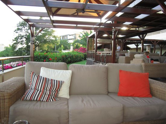 Four Seasons Hotel:                   The outside bar lounge area