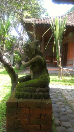 Griya Santrian:                   Statue on the grounds