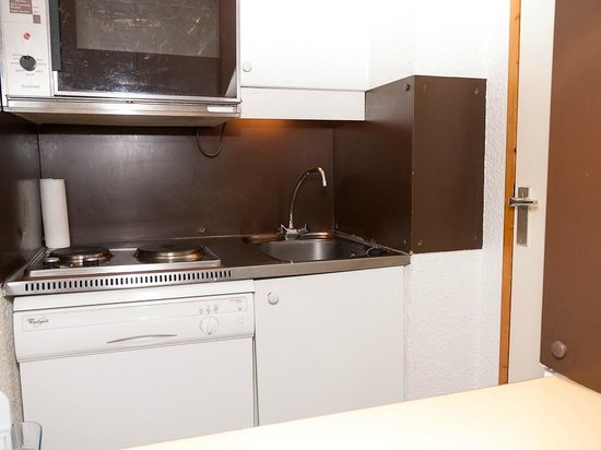 Résidence-Club Odalys Le Hameau du Mottaret :                   Basic kitchen facilities