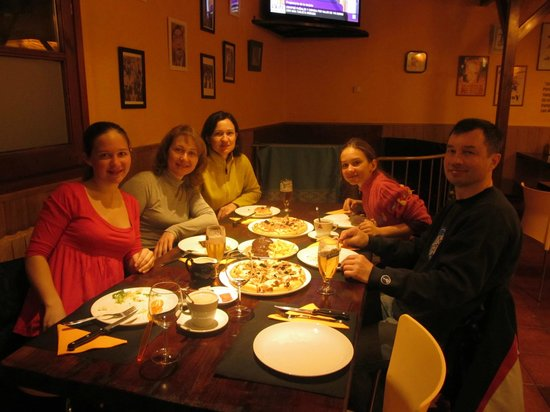 Restaurante Cerro Otto:                   Столик на шестерых был оккупирован нами на протяжении всего отдыха