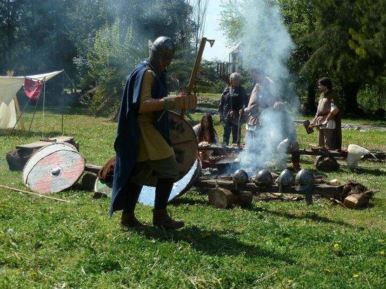 González Catán, Argentina:                   Campamento vikingo