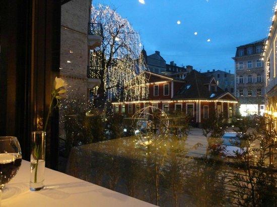 Hotel Bergs:                   вечером