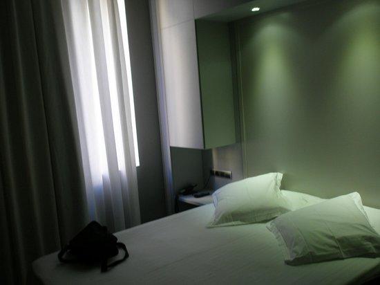 Hotel 54 Barceloneta : habitacion