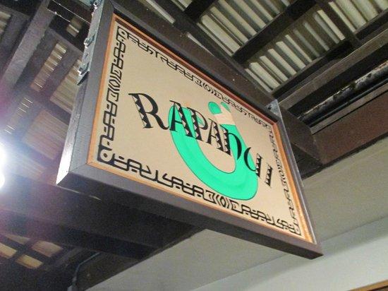 Rapanui Island Cafe :                   Rapanui nui !!!