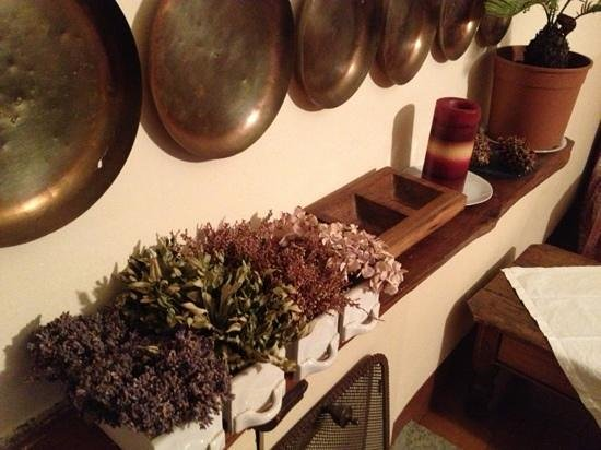 Le Camelie Bed and Breakfast:                   I